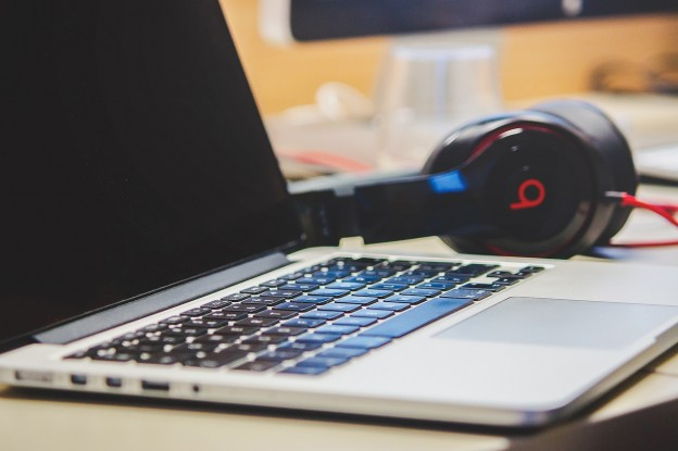 macbook-laptop